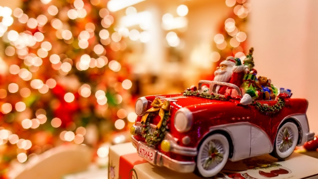 Tis-the-Season-How-to-Blend-Social-Media-with-Your-Traditional-Marketing-to-Boost-Bottom-Line